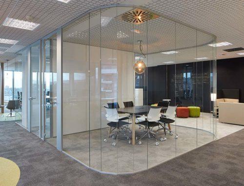 Du bureau subi au bureau choisi : la flexibilité des espaces de travail améliore le bien-être au bureau !